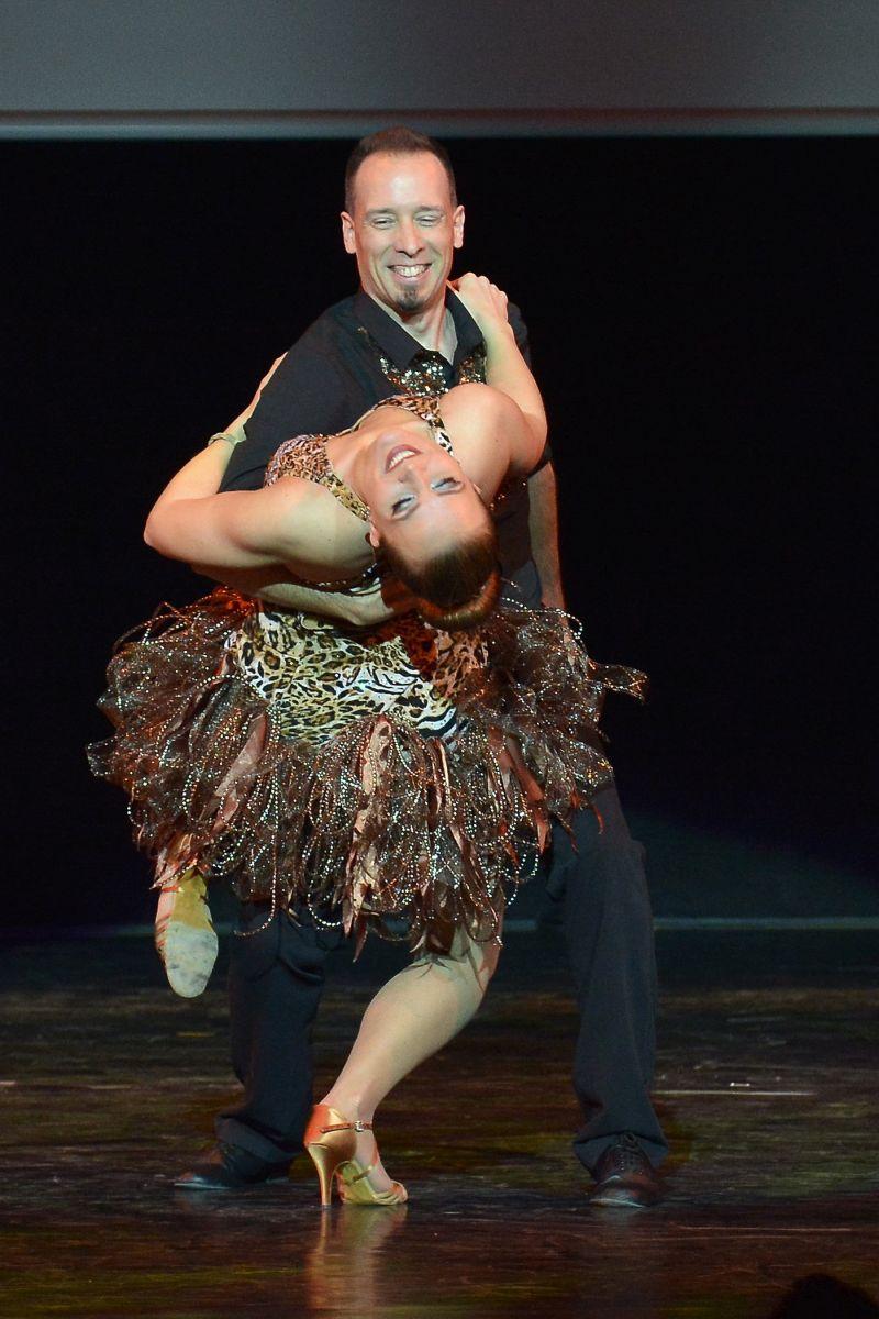 táncoktatás hanau egyetlen)